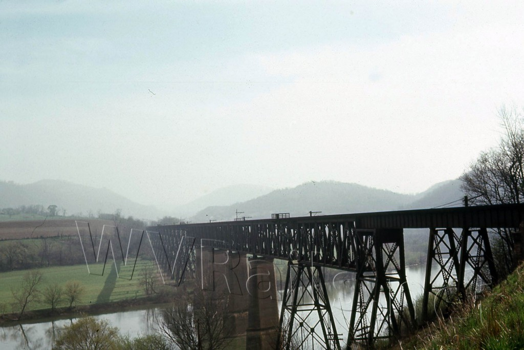N&W ex VGN New River Bridge Glen Lyn, VA  Apr 1968 (1)